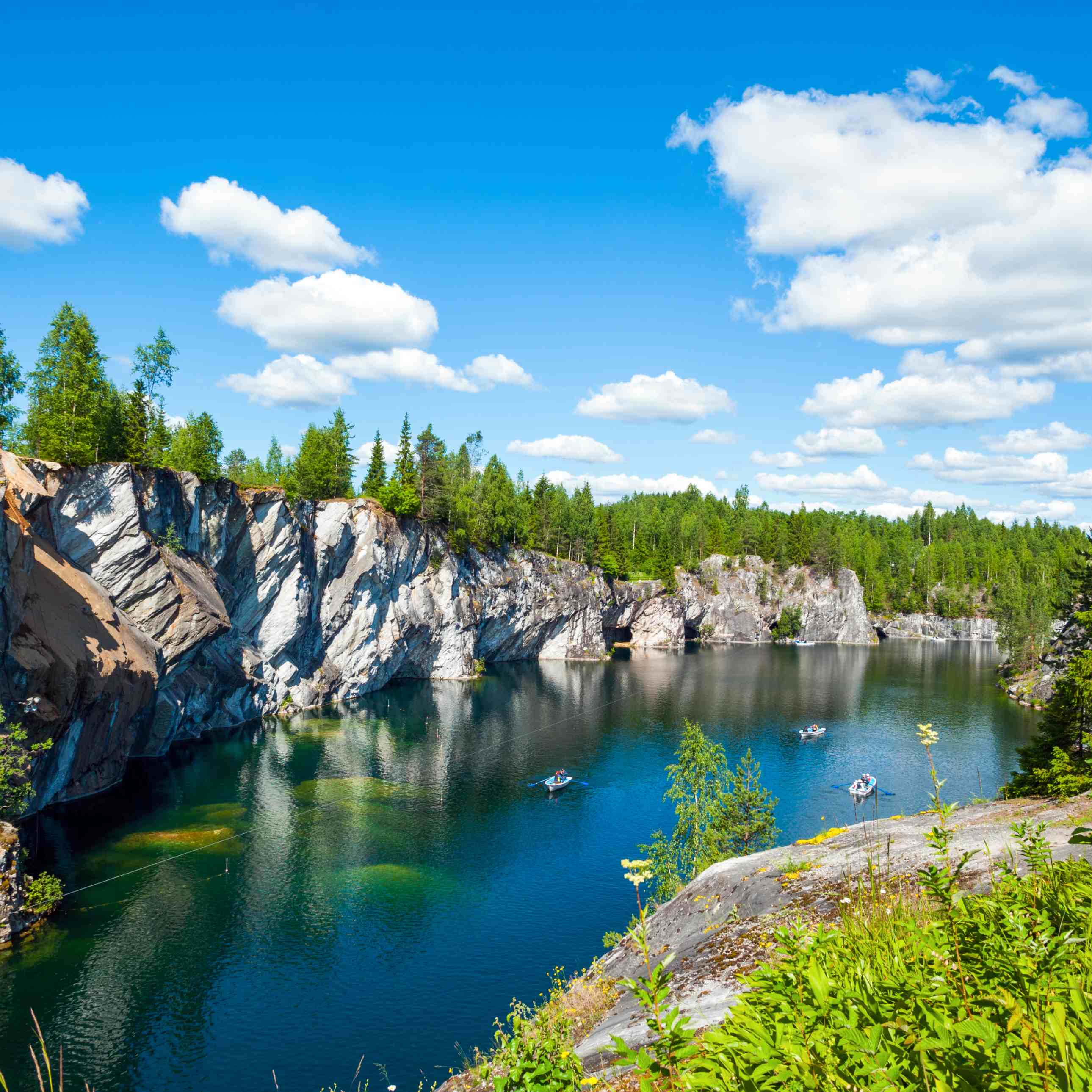 Однодневный тур «Горный парк Рускеала, мраморный каньон и водопады» со скидкой 51%