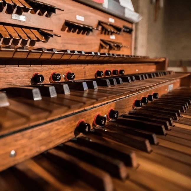 Концерт «Музыкальное путешествие из Европы в Россию» со скидкой 43%