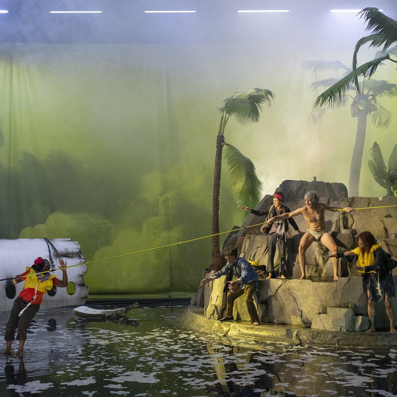Спектакль «Парк крушений. Жизнь одного острова» на Театральной олимпиаде