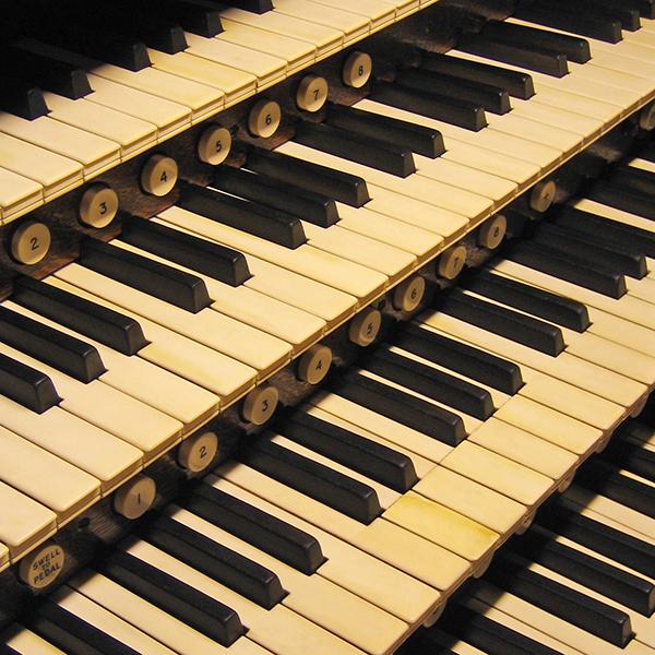 Органный концерт «Большой органный диалог: Бах, Маршан, Регер, Кушнарёв» со скидкой 50%