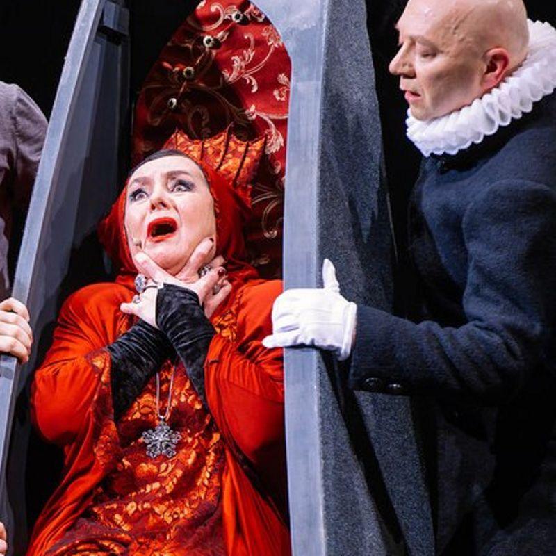 Музыкальный спектакль «Спасти рядового Гамлета»