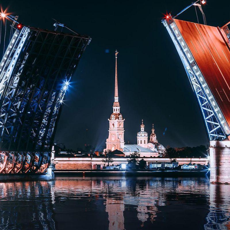 Концерт под разводными мостами