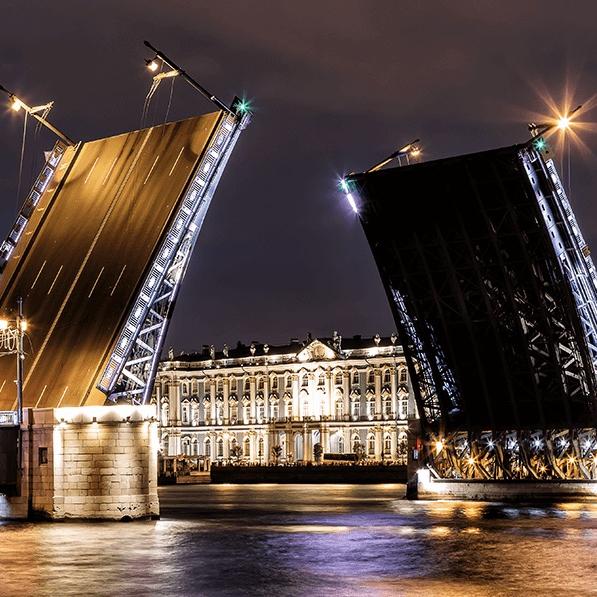 Автобусная экскурсия «Ночной Санкт-Петербург с разведением мостов» со скидкой 58%
