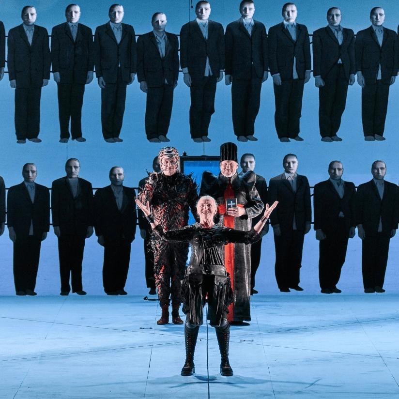 Спектакль «Мамаша Кураж и её дети» на сцене Александринского театра со скидкой 50%