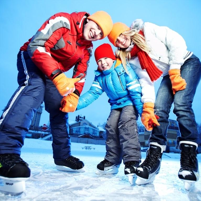 2часа катания налыжах, ватрушках или финских санях в«Велородео»