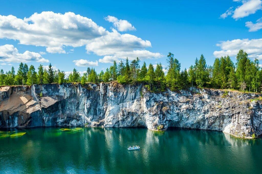 Однодневный тур в Карелию «Чудеса мраморного каньона Рускеала» со скидкой 54%
