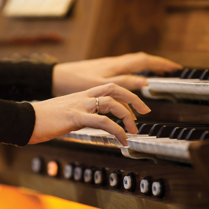 Органный концерт «Времена года. Бах, Вивальди, Чайковский» со скидкой 50%