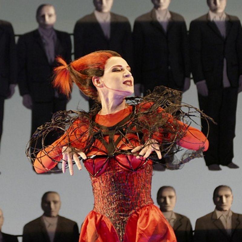 Спектакль «Мамаша Кураж и её дети» в Александринском театре