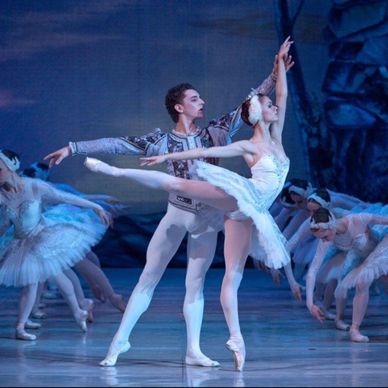 Волшебный балет «Лебединое озеро» на сцене Александринского театра