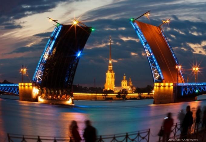 Звуковое шоу «Поющие мосты»