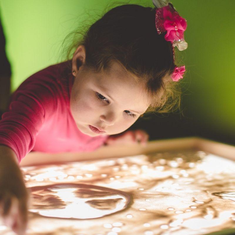 Семейный мастер-класс рисования песком «SandLand»