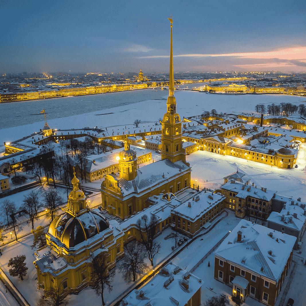 Петропавловская крепость и большая обзорная экскурсия по Санкт-Петербургу со скидкой 50%