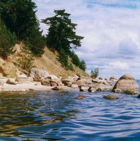 Водная прогулка на Талабские острова и к Спасо-Елеазаровскому женскому монастырю со скидкой 31%