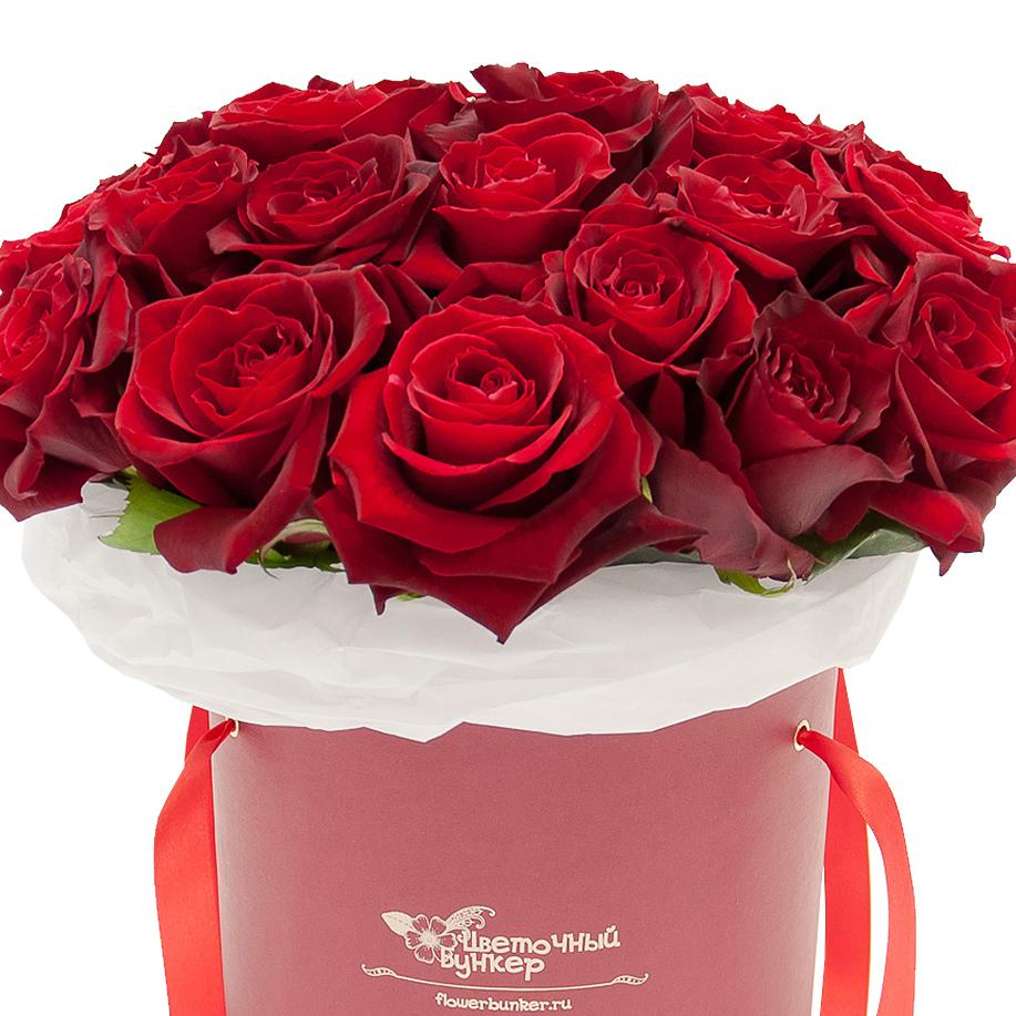 Розы в шляпной коробке со скидкой 28%