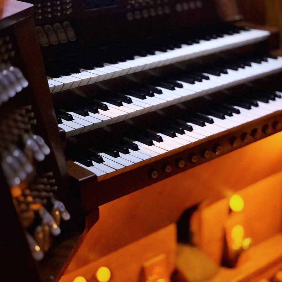 Концерт «Органный гала: Бах и Франция. Бах, Де Гриньи, Куперен, Франк, Видор» со скидкой 50%