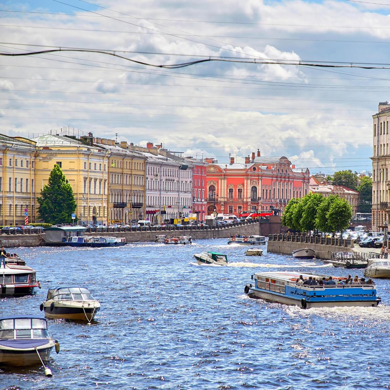 Дневные прогулки на теплоходе по рекам и каналам со скидкой до 62%