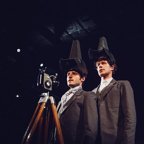 Спектакль «Маяковский. Баня» на сцене Александринского театра