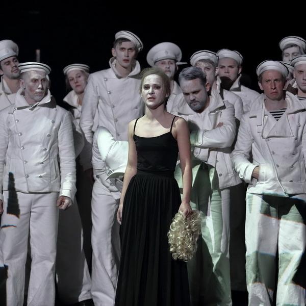 «Оптимистическая трагедия» в Александринском театре со скидкой 50%