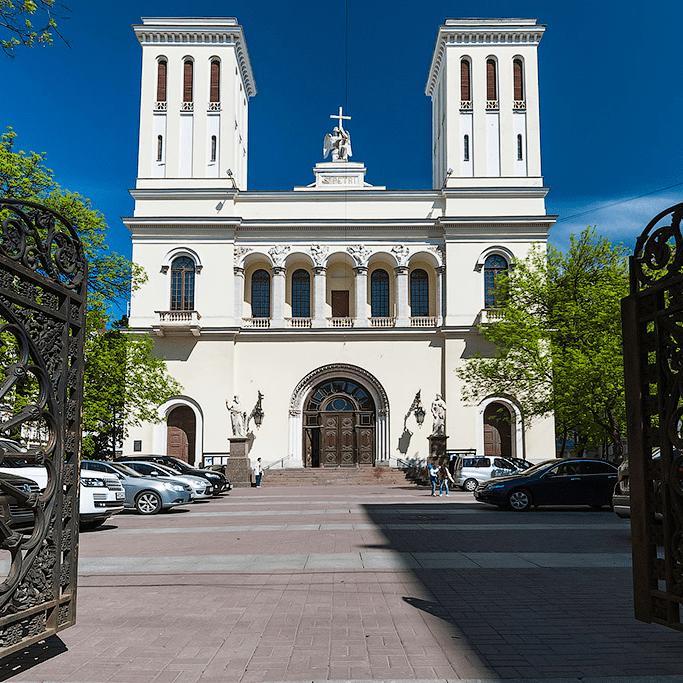 Петрикирхе — кафедральный собор святых Петра и Павла